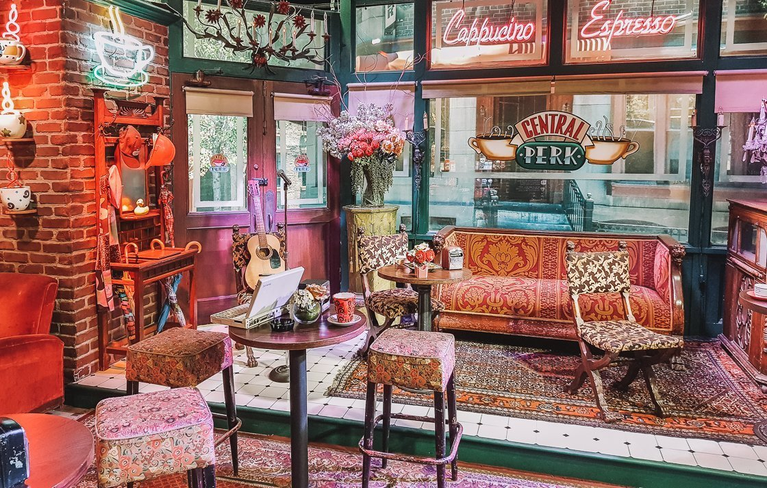 Friends Central Perk Set, Warner Bros Studio Tour, LA, 2-week US itinerary with no car