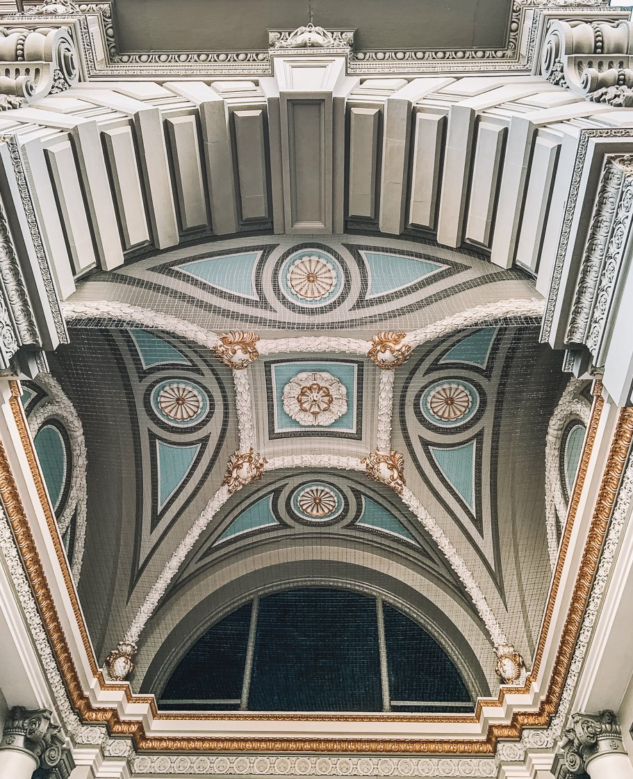 Pretty ceilings in San Francisco, 2-week US itinerary